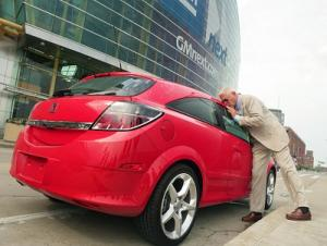 Bob Lutz Kisses Saturn's Astra, Has an Aura and Sky in His Garage