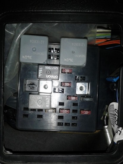 2002 L300 Left Instrument Panel Fuse Block
