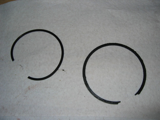 Retainer rings (L = inside; R = outside). Note diameters & ends.
